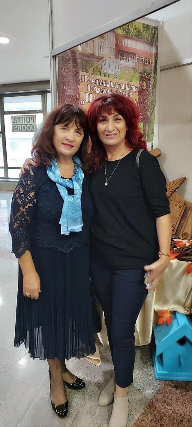 С прекрасната Ваня Кастрева- началник на РУО- София град - голяма снимка
